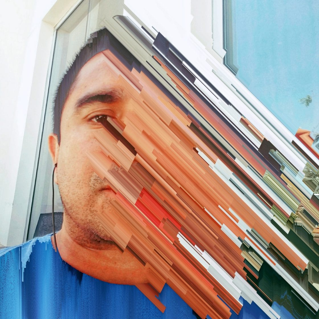 glitched-self-portraits-victor-ruano-santasombra-000